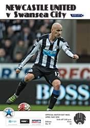 Newcastle United Programmes issue V Swansea City